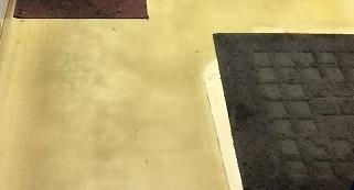 ワックス剥離クリーニング前の汚れた床