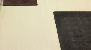 ワックス剥離クリーニング後のきれいになった床